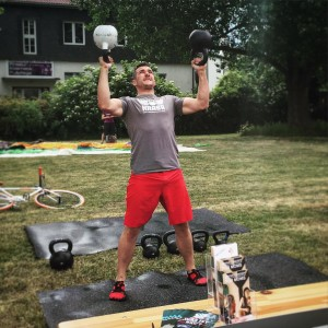 Sascha dbl Kettlebell Bottom Up Press
