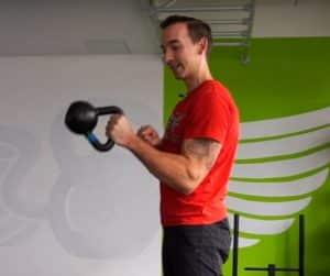 Mit Kettlebells Griffkraft trainieren - Pincher Curl